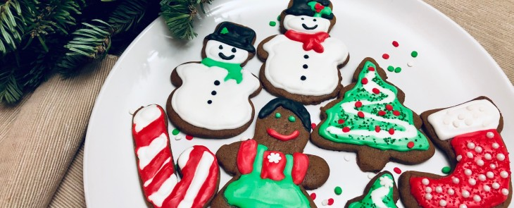 Plate of iced gingerbread cookies